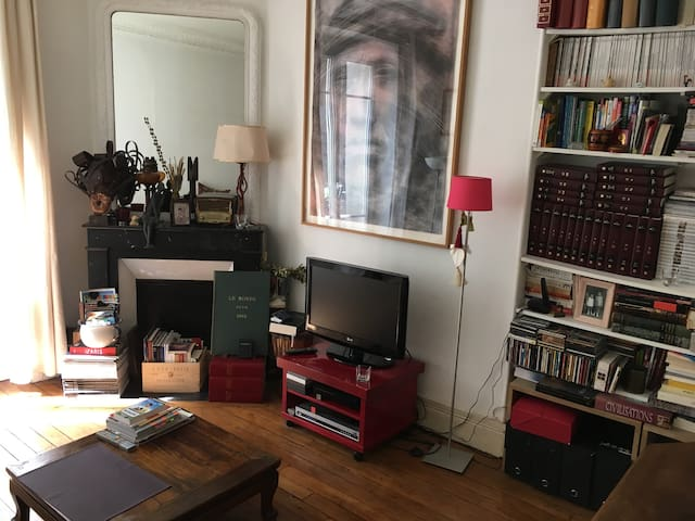 Cosy guest room in Montmartre