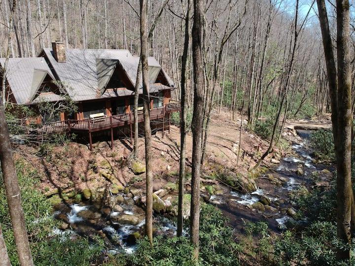 Creekside Lodge at Huffman Creek Retreat