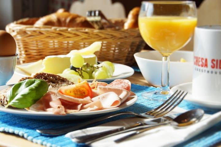 Standard room with breakfast - Silvaplana - Bed & Breakfast