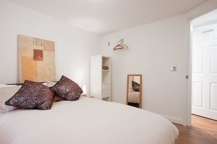 Comfortable Apartment in Reading West sleeps 4