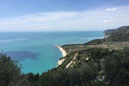 Villetta BelleVue con vista mare Panoramica - Mattinata