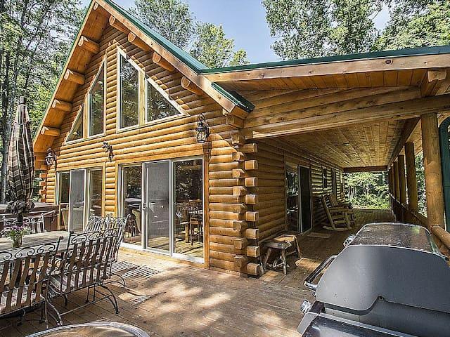 Mia's Cabin