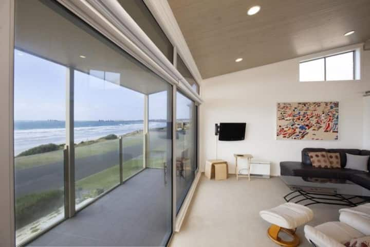 Port Fairy, Beach Front Apartment