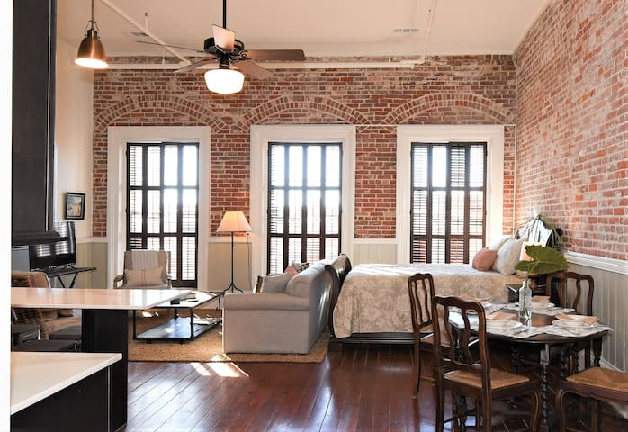 Downtown Historic Studio Loft on The Strand above Hendley Market! Sleeps 4! | Historic Texas Room