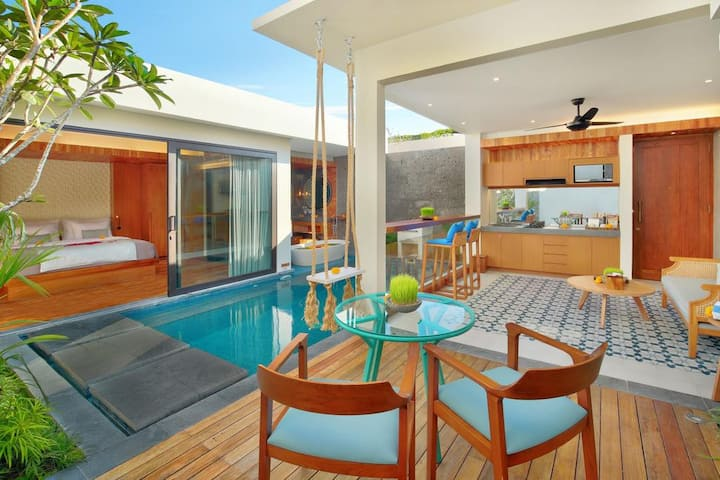 Sumptuous 01 BR Tropical Modern Villas in Seminyak