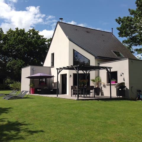 Maison de 2010 au calme - Grandchamps-des-Fontaines - House