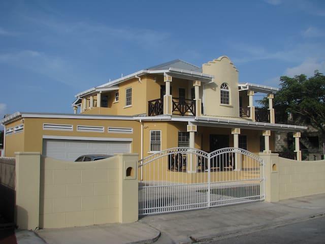 Maya's Bajan Villas - Unit B - Second Floor