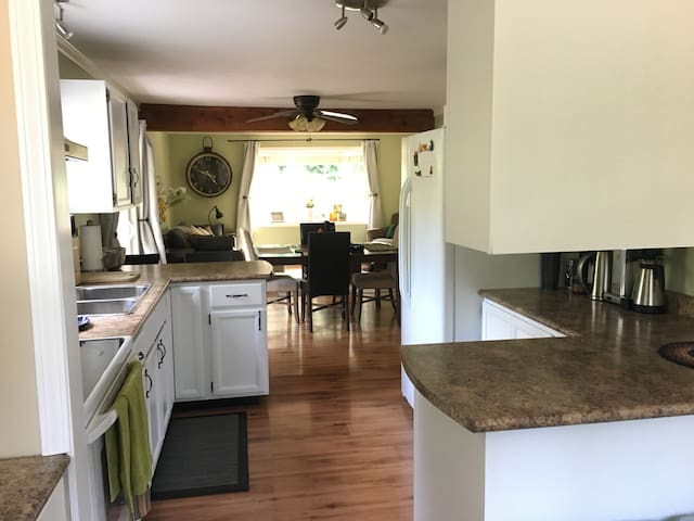 Cozy home with a great kitchen ready for a chef!
