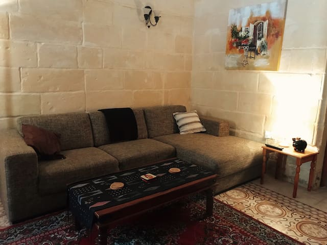 Private Room in the heart of Sliema