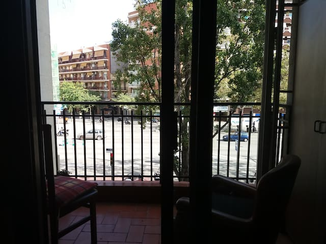 Cosy roomx2 near SagradaFamilia&center. Great comm