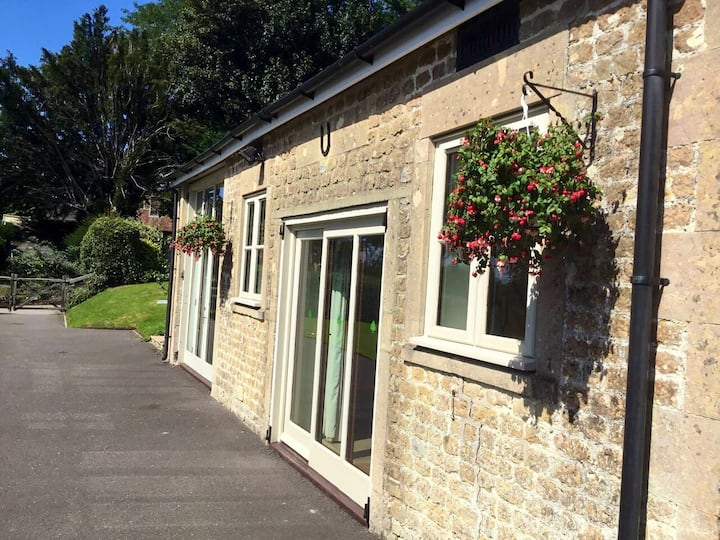 Idyllic, tranquil, rural retreat near Frome