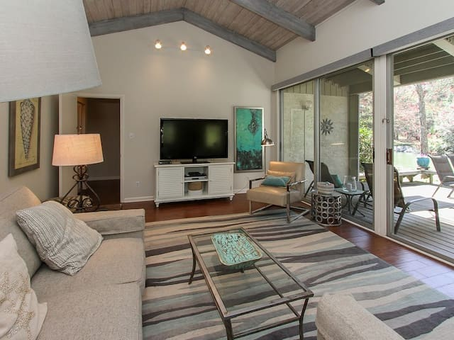 Living Room with Deck Access at 1581 Lagoon Villa