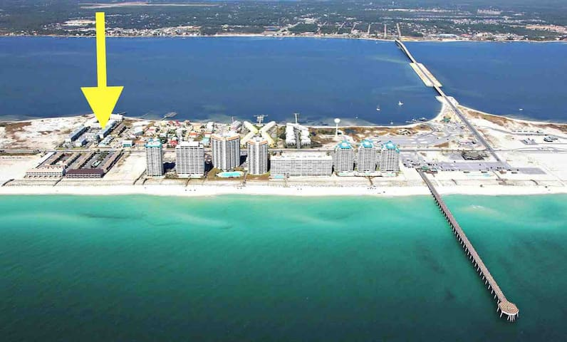 Sea Turtle Cove: Cozy condo in Navarre Beach, FL