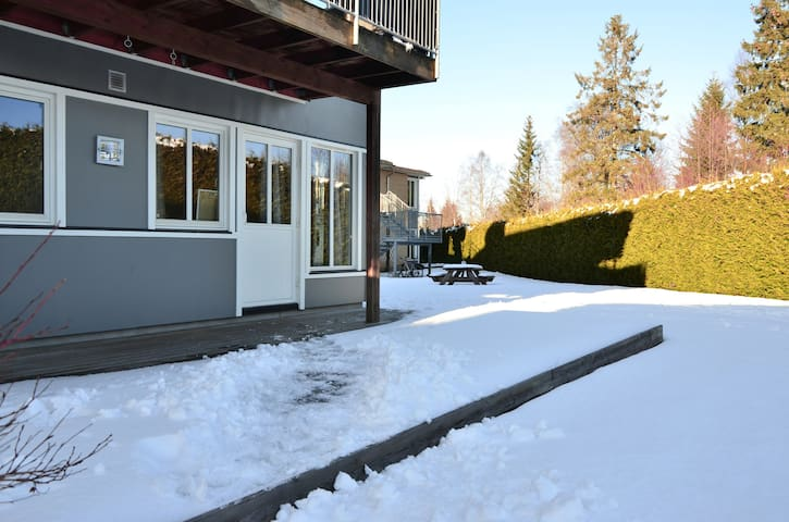 Modern apartment with a terrace in Jessheim, close to the airport.  (ID 6111)