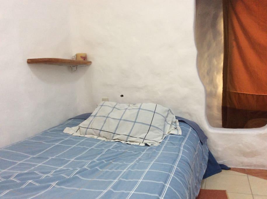 Opción a una cama matrimonial o hasta tres individuales.