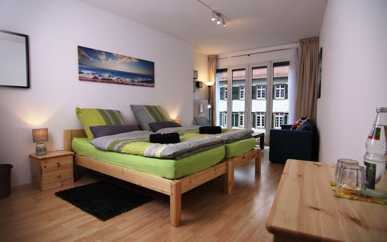 170sqm 6 Room Double-Apartment at Main Station!