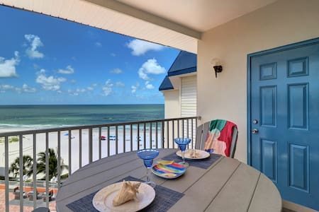 Beach Fun With Views - Indian Shores, Florida