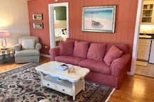 485 square feet of top floor nesting space in the heart of downtown Saugatuck with all the comforts of home