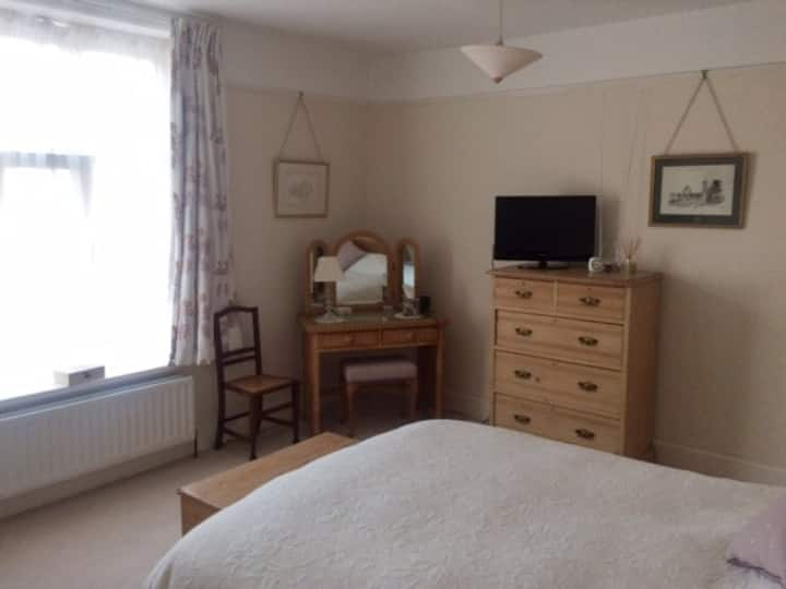 Comfortable double room, close to city centre