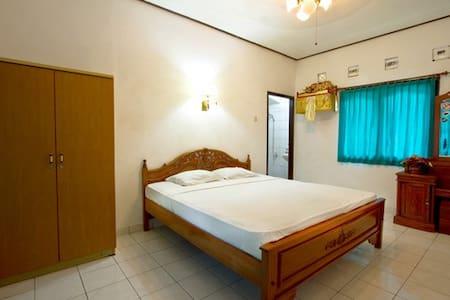Standard AC Room - Bed & Breakfast