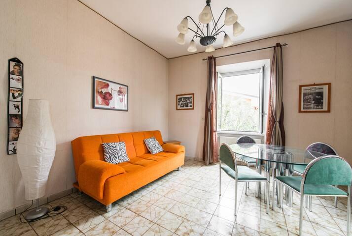 Casa con Jardín privado en Roma zona TorVergata