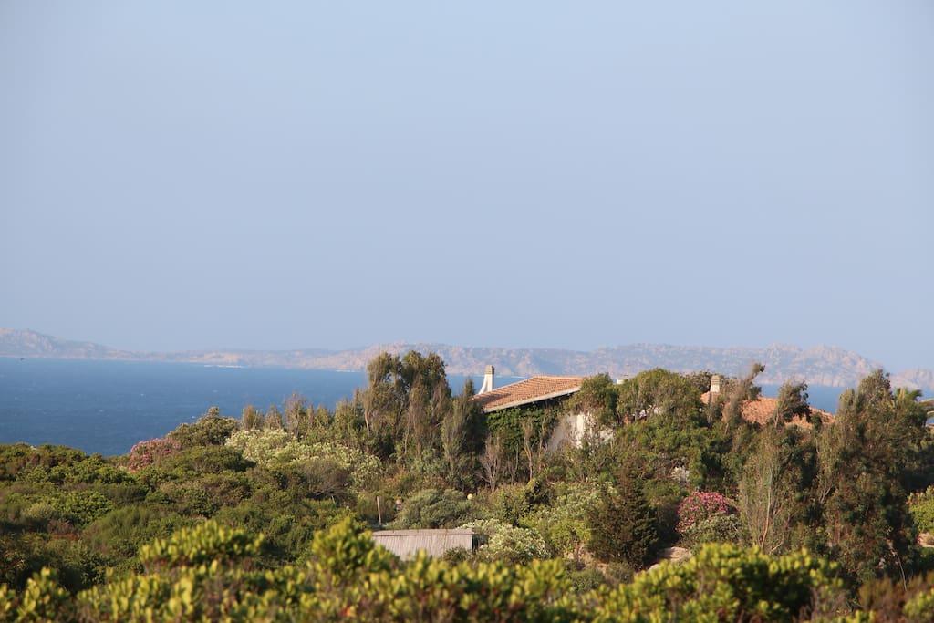 Villa Bianca und das Maddalena Archipelago im Hintergund
