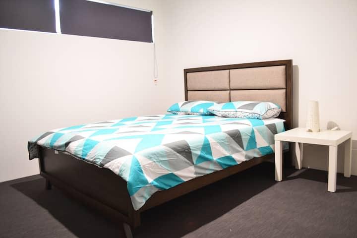 Perth Urban Lodge 2 (15 min drive to Freo & Perth)