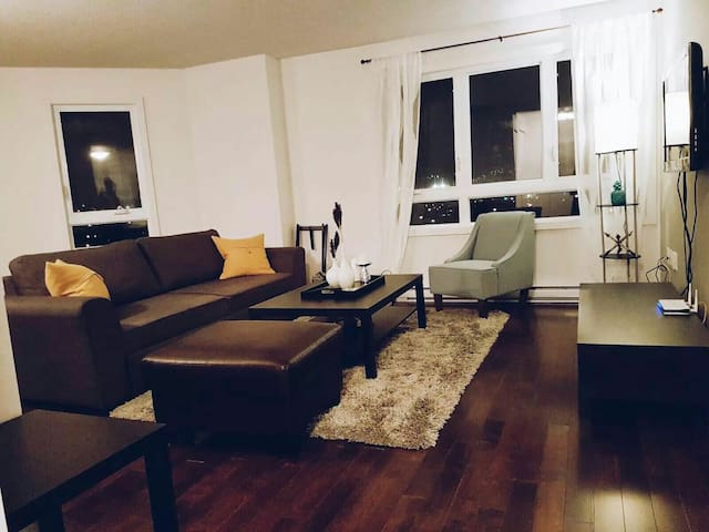 Amazing Saint-Laurent Condo - Montréal - Apartmen