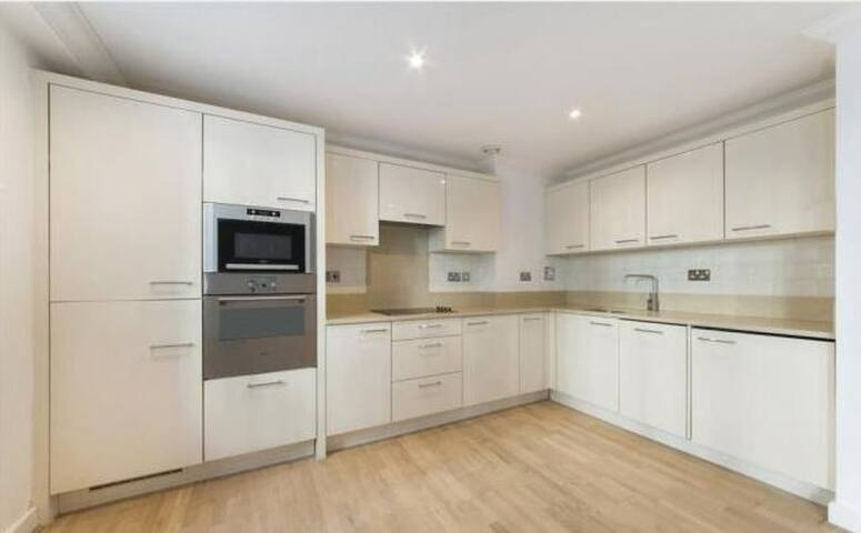 10 minutes walk to Oxford Street & Covent Garden - London - Apartment