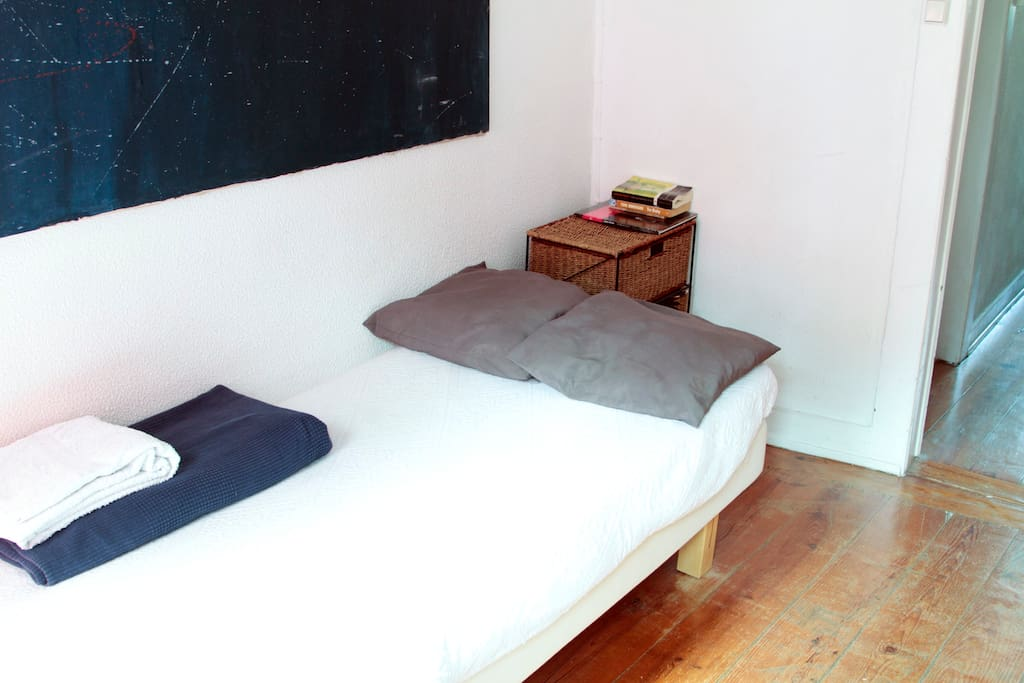 Single bed in private room