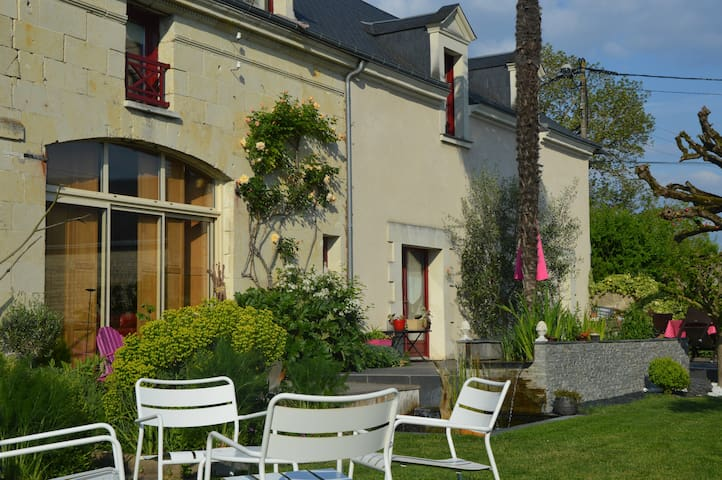 """La boulangerie"" - Savigny-en-Véron - Bed & Breakfast"