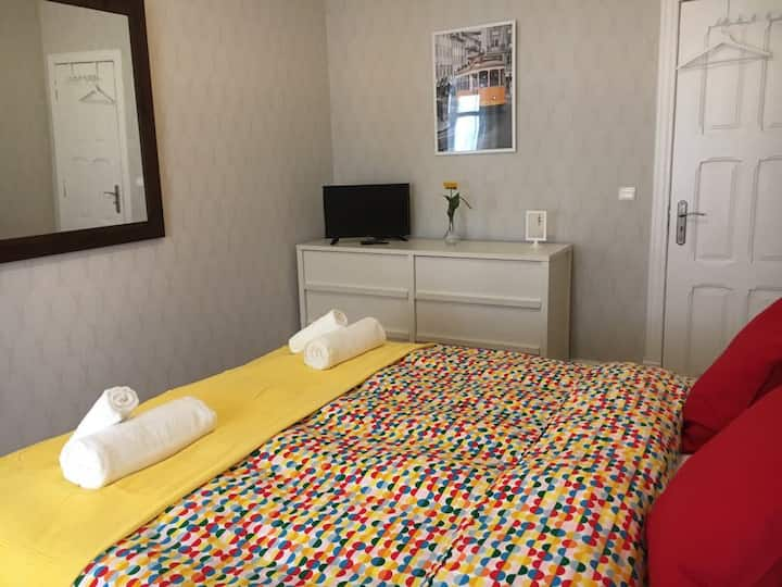 NEW Step Inn Principe Real Park B&B Double Bedroom