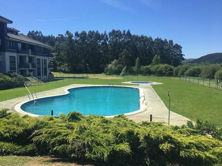 Apartamento acogedor , con piscina, zonas verdes