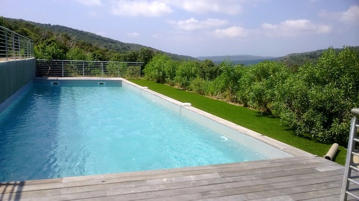 House with 3 bedrooms in Bonifacio, with wonderful mountain view, shared pool and furnished terrace - 6 km from the beach