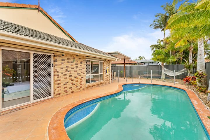Perfect Family Getaway in Burleigh