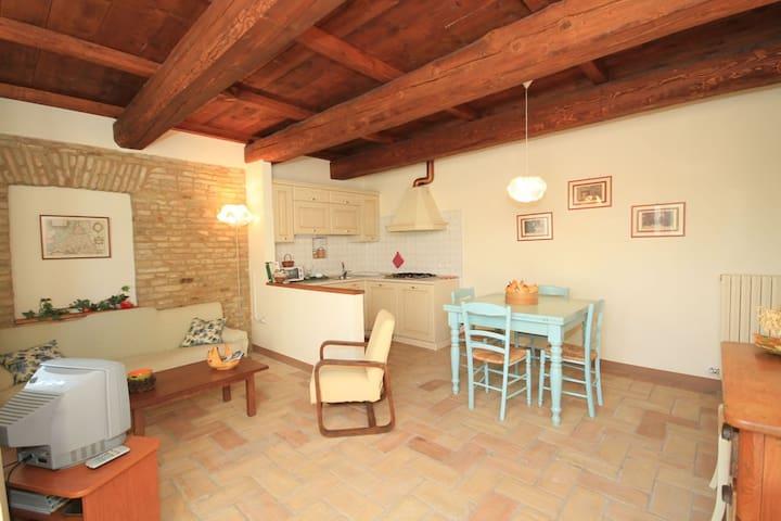 Tipica colonica fra mare e campagna - Saltara - อพาร์ทเมนท์