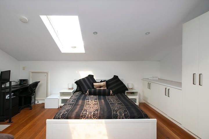 Self contained room in peaceful location