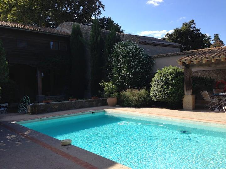 Maison de village 19è avec piscine