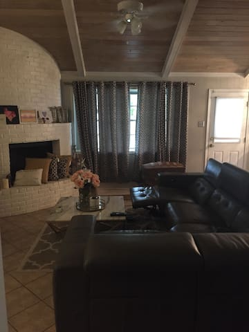 Daily/Weekly/Monthly home in Houston!