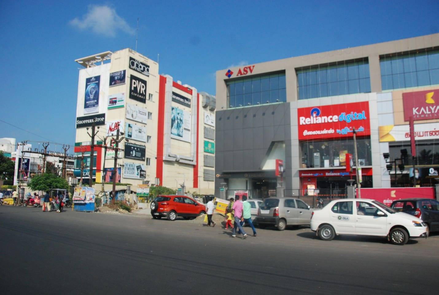 Five minutes travel to PVR Grand Mall and Reliance Digital