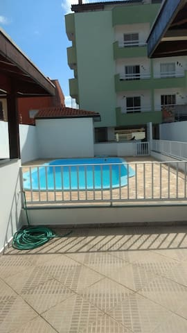 Cobertura, lazer, piscina, linda vista,5 min praia