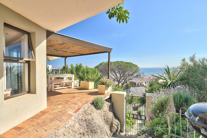 Endless Ocean Views In Bantry Bay Getaway