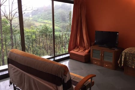 3BHK With Vally view Bedrooms in Lonavala - Lonavala - 別荘