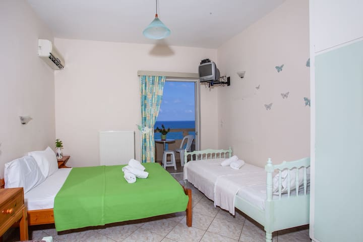 Comfortable Room 204 with beautiful sea view