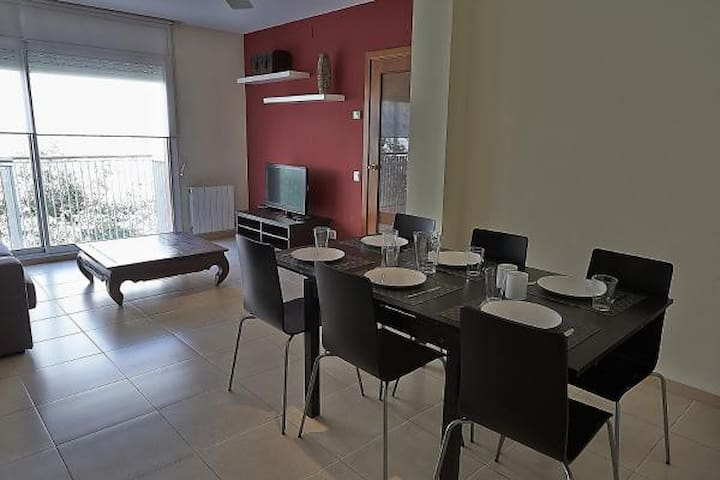ALGUERA Apartments - 3 Bedroom Apartment for 7 pax