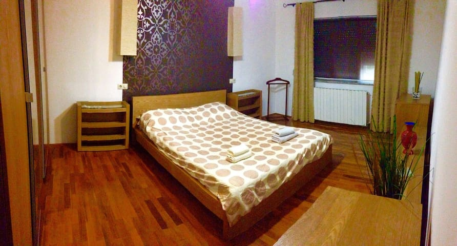Close to the airport, in the city - București - Apartment