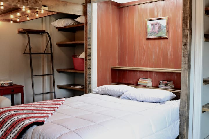 Bunk Room with Queen Murphy Bed and 2 Full bunks
