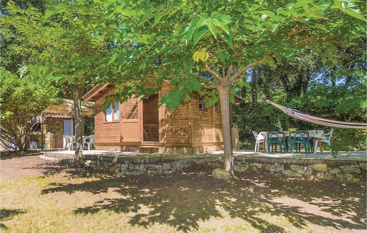 Holiday cottage with 1 bedroom on 32m² in Saint Micheol d'Euzet
