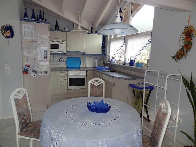 FEWO Singler, (Hofstetten), Ferienwohnung Puppenstube mit Panoramablick, 70qm, 1 Schlafzimmer, max. 2 Personen