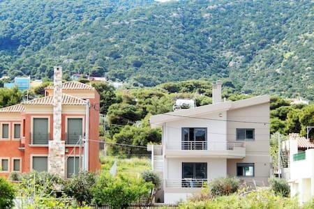 Villa-SEA VIEW- 1st floor apartment - Porto Rafti - 別荘